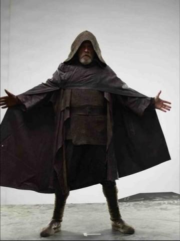 The Last Jedi Trailer(s) - Page 6 93__360x