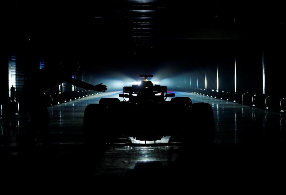 Mercedes muestra a su nueva 'bestia' para ser campeón