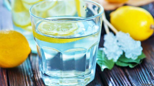 Los seres humanos están compuestos por un 70% de agua.
