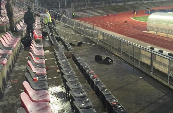 """Hugo Veloso, intendente de la región del Maule, aseguró que """"pasará mucho tiempo para que la hinchada de la U vuelva a entrar al estadio Fiscal de Talca""""."""