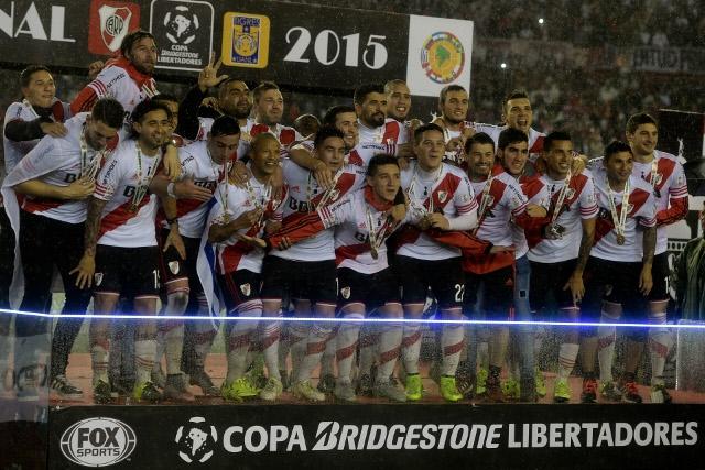 Alexis Sánchez felicita a River Plate por ganar la Copa Libertadores