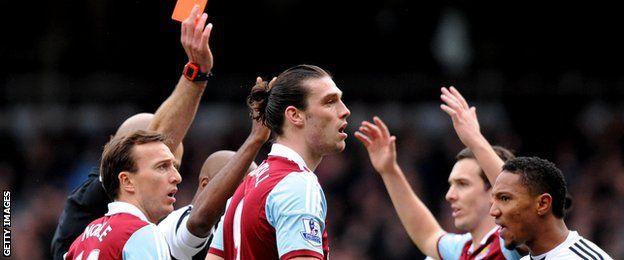 Cambios en el fuera de lugar y otras novedades reglamentarias de la Liga Premier