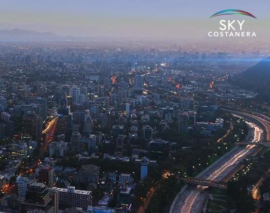 Esta es la vista diurna desde el mirador Sky Costanera
