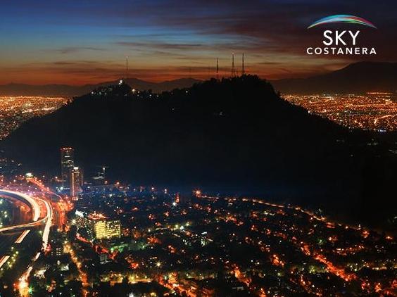 Esta es la vista nocturna desde el Sky Costanera