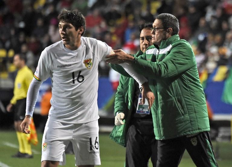 FIFA suspende a DT de Bolivia y abre proceso por