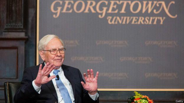 El magnate estadounidense Warren Buffett es uno de los ídolos de Curtis. De él ha aprendido lecciones sobre la bolsa.