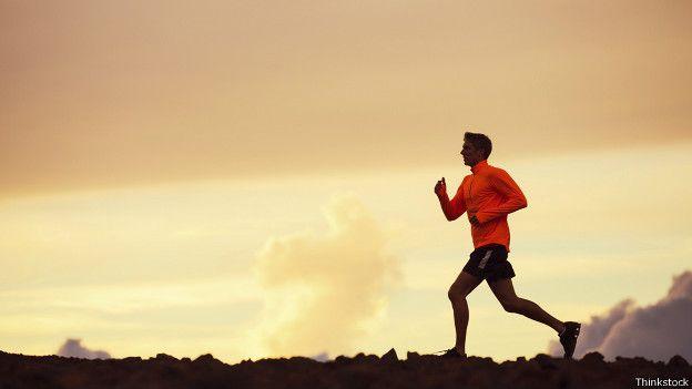 Las personas que corren casualmente notarán rápidamente la diferencia de cómo reacciona el cuerpo con una buena alimentación.