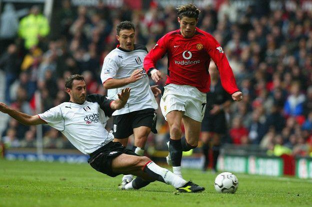 Cristiano Ronaldo llegó a los 17 años al Manchester United, pero se fue al Real Madrid justo cuando estaba explotando como el gran jugador que es.