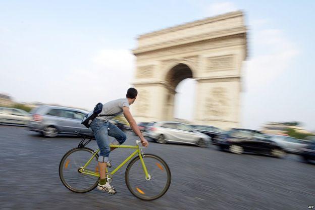 La bicicleta es actualmente uno de los vehículos más populares del planeta, no solo sirve para hacer deporte sino para transportarse.