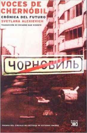 La portada de la primera traducción al español de Voces de Chernóbil
