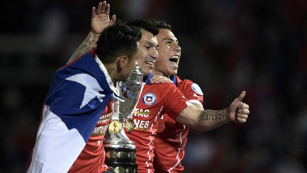 Chile conquistó su primera Copa América, pero para llegar a Rusia también deberá conseguir puntos fuera de su casa.