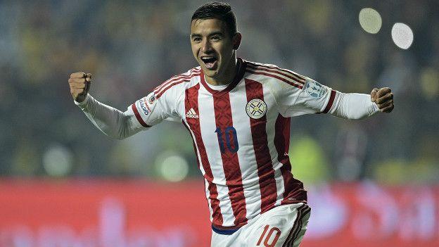 Derlis González es la principal figura de una selección paraguaya que tratará de no repetir la última posición de las eliminatorias a Brasil 2014.