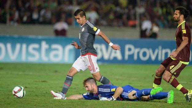 El error de Vizcarrondo que aprovechó Derlis González para la victoria de Paraguay sobre Venezuela.