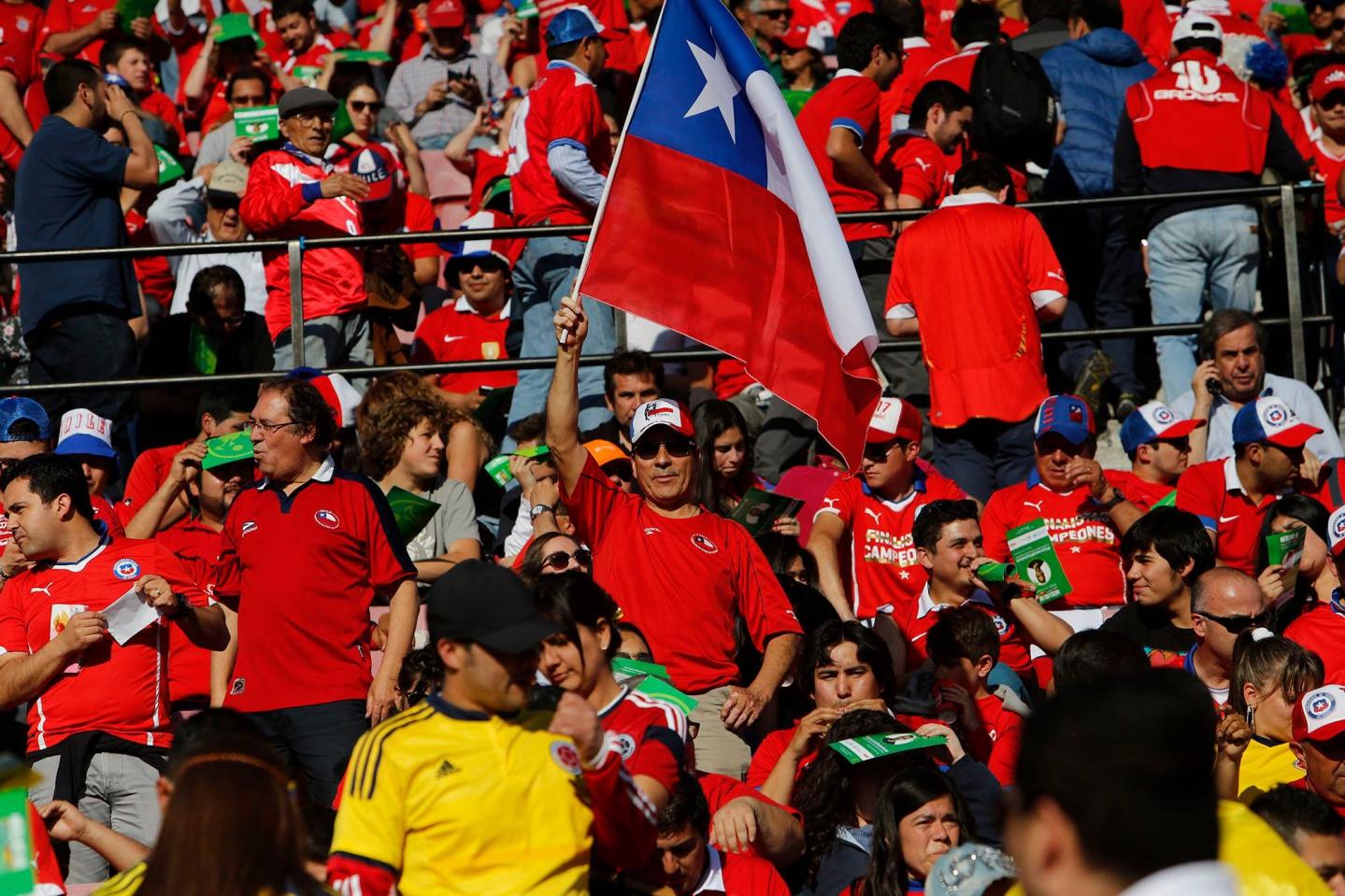 [FOTOS] Así viven la previa del Chile-Colombia los hinchas en el Nacional
