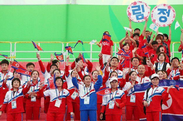Sus rivales destacan la felicidad y alegría de la delegación norcoreana en los mundiales de halterofilia.
