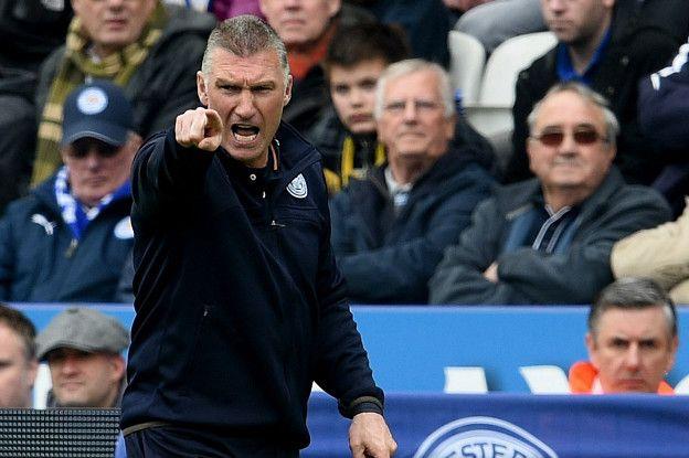El polémico Nigel Pearson logró dar con la tecla que transformó la temporada del Leicester desde el mes de abril, pero pese a la permanencia del club en la Premier fue destituido.