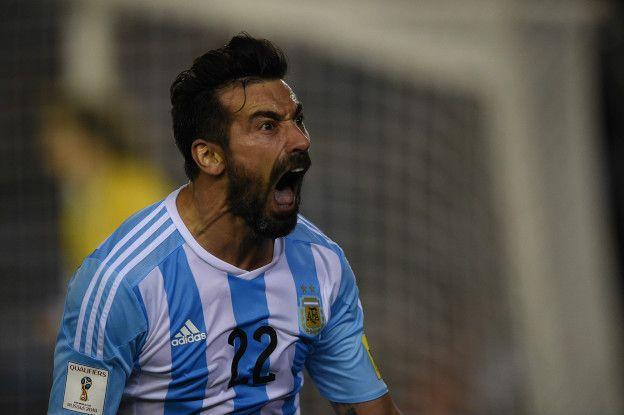 En lo deportivo, Argentina tuvo un comienzo irregular del proceso de clasficatorias al mundial de Rusia 2018, aunque su victoria frente a Colombia alivió la presión.
