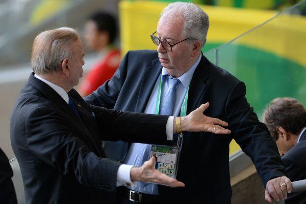 Durante su larga estadía en la AFA y en la FIFA Grondona tuvo relación con varios de los dirigentes implicados en casos de corrupción por las autoridades estadounidenses, como el brasileño Jose Maria Marin.