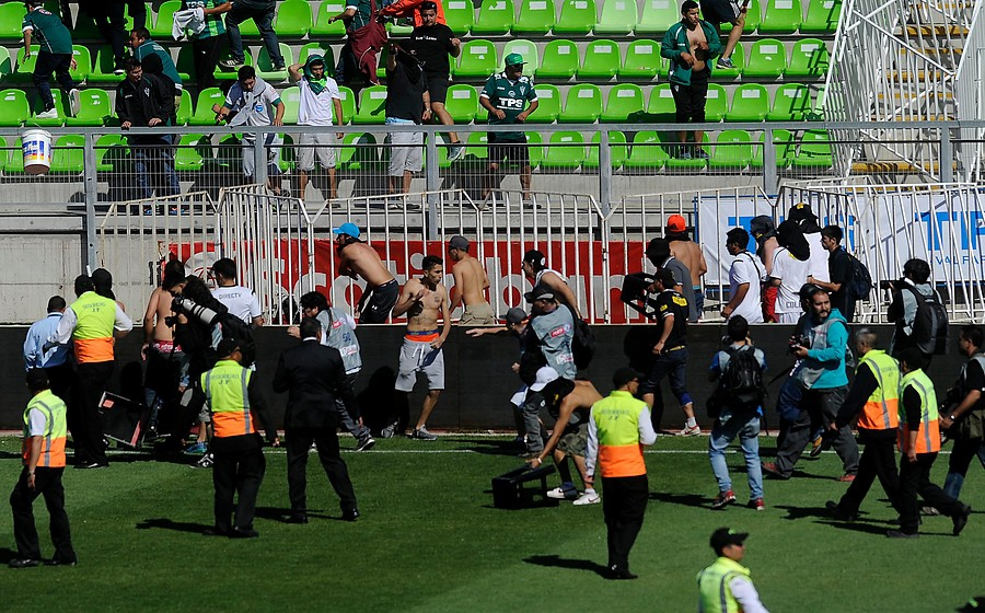 [VIDEO] Nuevas evidencias de los incidentes durante duelo entre Wanderers y Colo Colo
