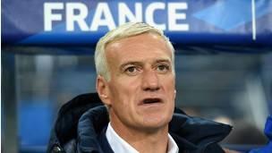 El seleccionador Deschamps está al tanto de la posición de la Federación Francesa de Fútbol.