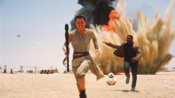 """""""Star Wars"""" estrena su Episodio VII con muy buena crítica"""