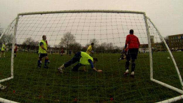 Three Sided, el curioso juego que enfrenta a tres equipos de fútbol a la vez