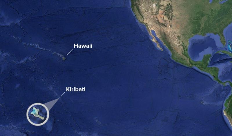 Kiribati o isla Navidad está en el Pacífico Sur más allá de la línea internacional de cambio de día.