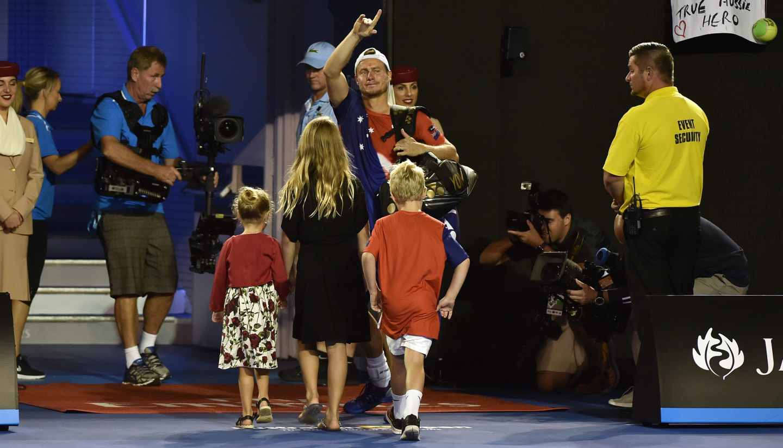 Hewitt pierde con Ferrer en Australia y se retira del tenis