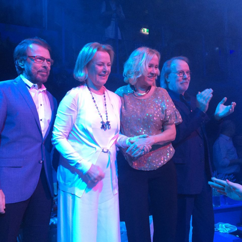 De izquierda a derecha: Bjorn Ulvaeus, Anni-Frid Lyngstad, Agnetha Faltskog y Benny Andersson.