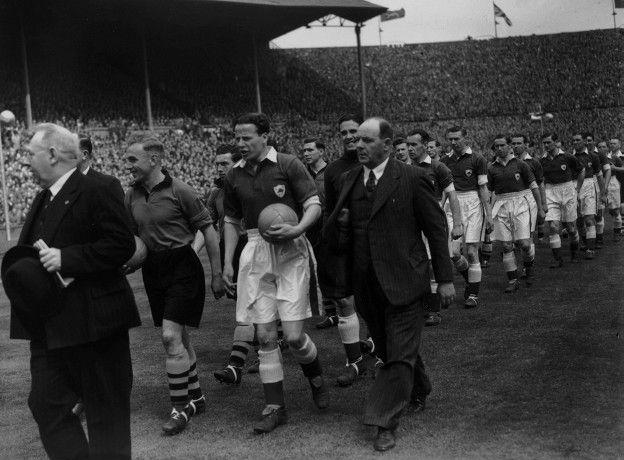 El Leicester nunca ha ganado un título de liga ni tampoco de la Copa FA, final que perdió las cuatro ocasiones que la disputó, como sucedió en 1949.
