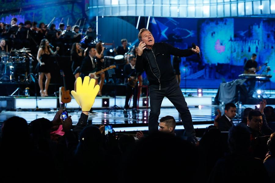 Ricardo Montaner en plena actuación en la Quinta Vergara