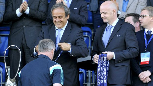 Infantino llegó a ser candidato tras la suspensión de Michel Platini, con quien tuvo una relación muy cercana.