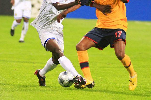 En fútbol es frecuente escuchar de las lesiones de rodilla debido a lo exigente que resulta el correr y el cambio continuo de dirección.