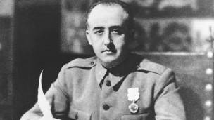 Franco hizo coincidir el huso horario español con el de Alemania.