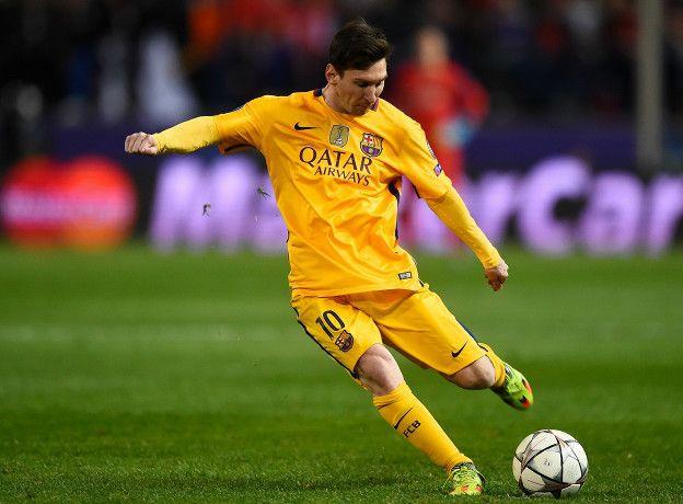 En el partido contra el Atlético disparó dos veces, ambas de falta directa, pero ninguno fue al arco.