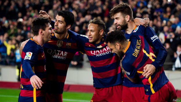 """Hay problemas tácticos derivados de la transición entre el """"tiki taka"""" de Guardiola, y el juego de posesión con ráfagas de contraataque de Luis Enrique."""
