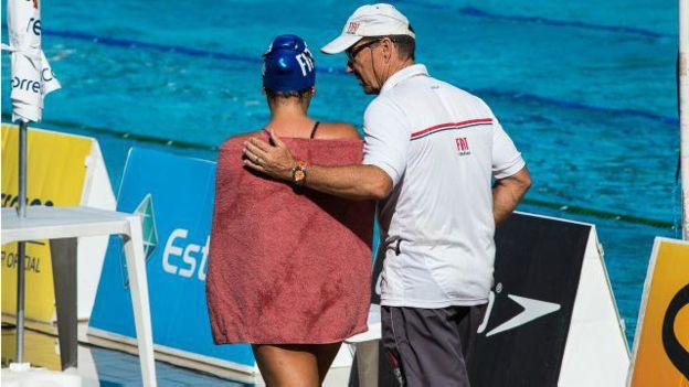 En Brasil, Volkers trabaja en el club Minas Tenis de Belo Horizonte y está a cargo de nadadores de todas las edades.