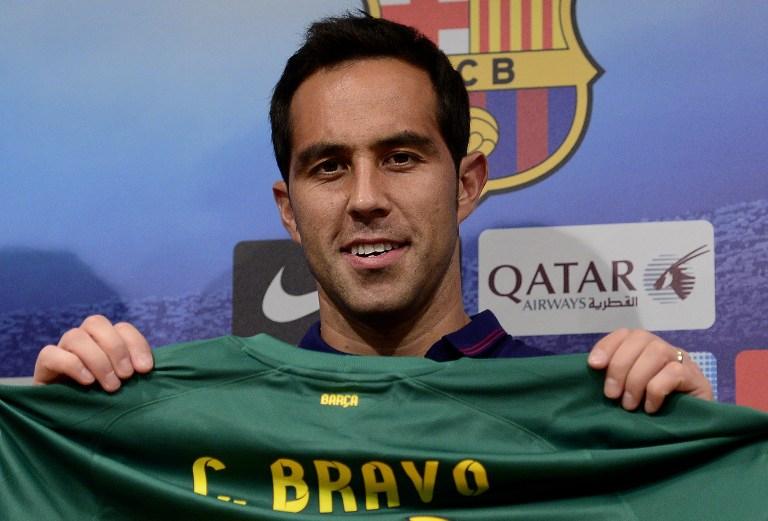 Secretario técnico del Barcelona confirma que Claudio Bravo seguirá en el club