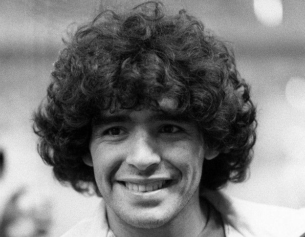 Maradona jugó en 1979 con el 6 en lugar de con el 10 con el que se convirtió en leyenda.