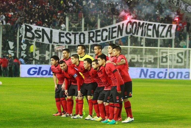 """La molestia de Esteban Paredes: """"Cambiemos y respetemos los colores de mi amado Colo Colo"""""""