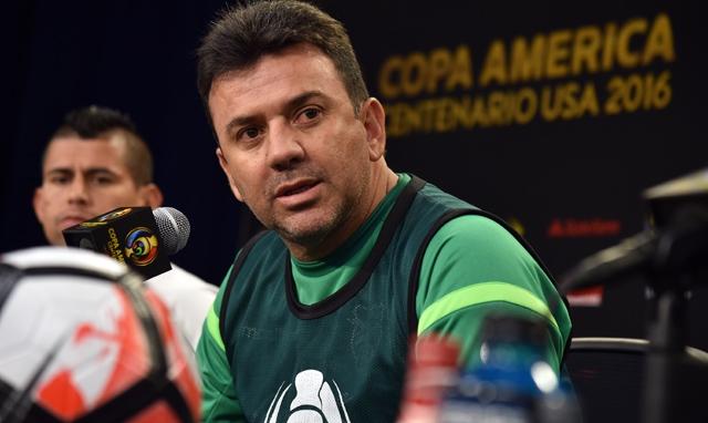 Próximos rivales de Chile en Clasificatorias se encuentran sin técnico