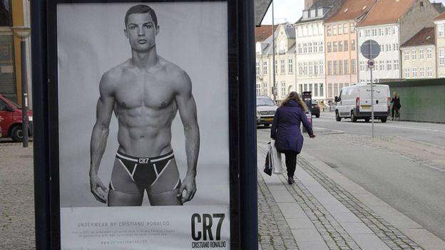 Si hay algo de lo que está orgulloso Ronaldo es de su físico.