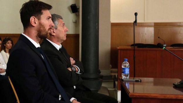 Messi fue condenado a 21 meses de cárcel junto a su padre por fraude fiscal.