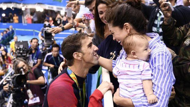 Su mujer Nichole y su hijo Boomer no se han perdido ni una sola actuación de Phelps.