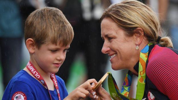 Es la tercera medalla de oro seguida para Armstrong en la prueba de contrarreloj