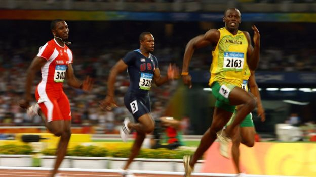 Usain Bolt en los 100 metros en Pekín.
