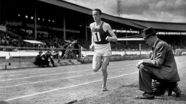 En los años 20, Paavo Nurmi dominó las carreras de larga distancia.