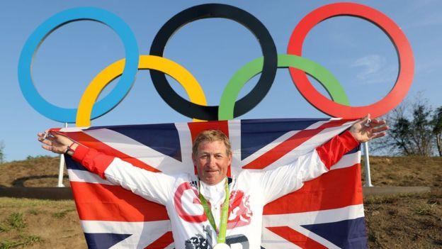 Con 58 años, Nick Skelton es uno de los atletas con más edad en obtener un oro olímpico, lo hizo en equitación.