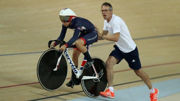 La experiencia del medallista olímpico Paul Manning reforzó el talento de los ciclistas británicos en pista.