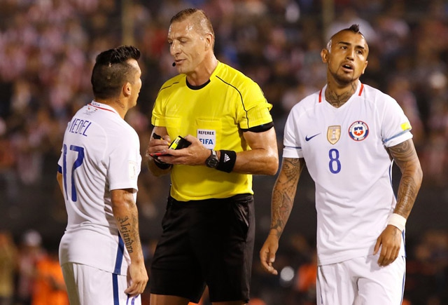 """""""La Roja"""" suma tres jugadores a los que están """"en capilla"""" por tarjetas para duelo ante Bolivia"""